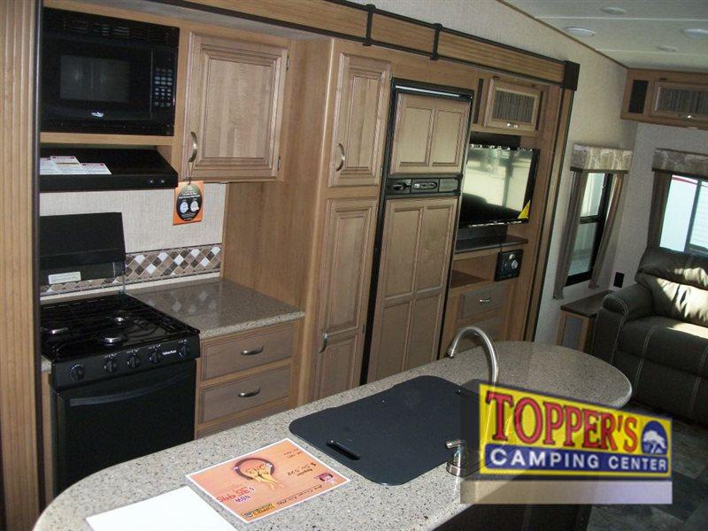 Crossroads Cruiser Aire Fifth Wheel Kitchen