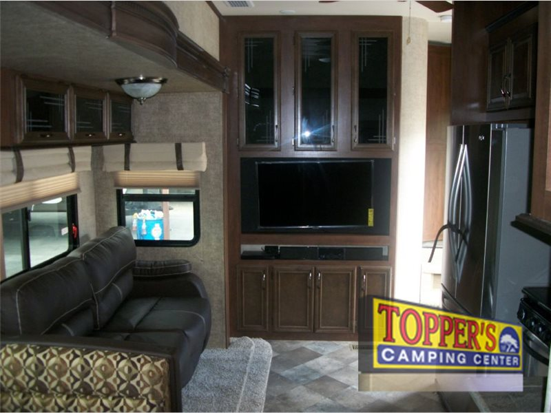 Forest River Sandpiper SAQB Fifth Wheel Interior
