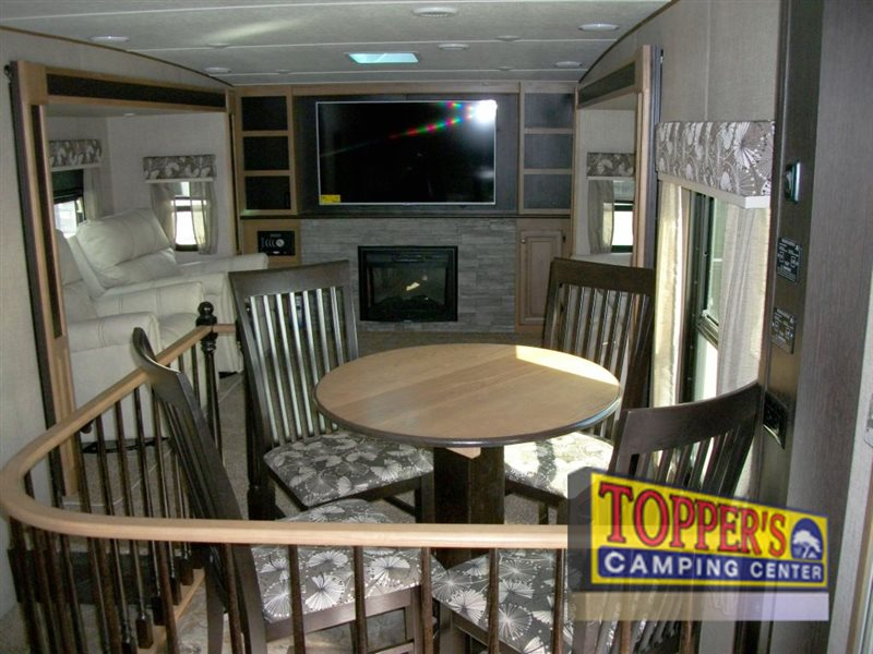 Crossroads Cruiser 362FL Fifth Wheel Front Living
