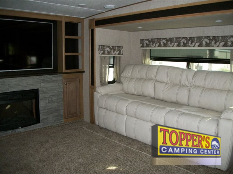 Crossroads Cruiser 362FL Fifth Wheel Sofa