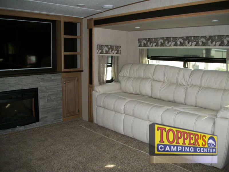 Crossroads Cruiser 362FL Fifth Wheel Sofa