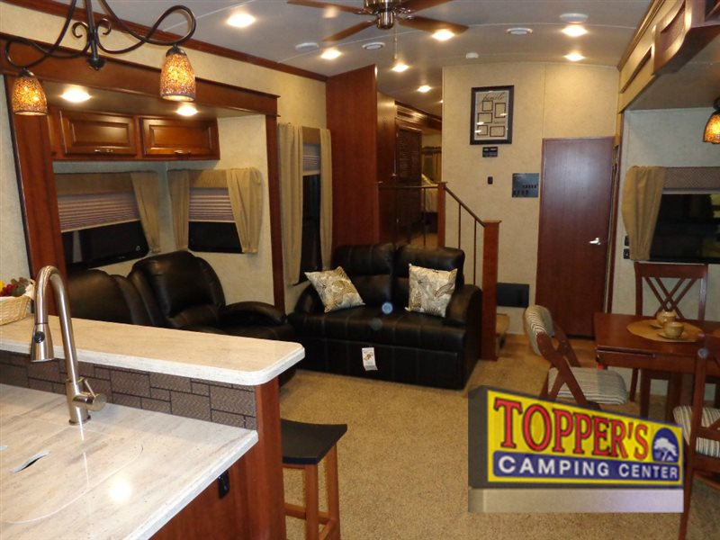 Evergreen Bay Hill Fifth Wheel Interior