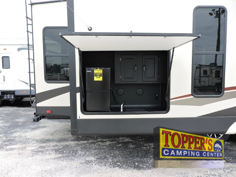 Forest River Sandpiper 378FB Fifth Wheel Outdoor Kitchen