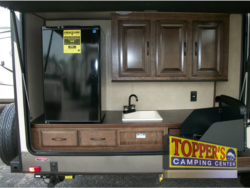 Cruiser Radiance 32TSBH Travel Trailer Outdoor Kitchen