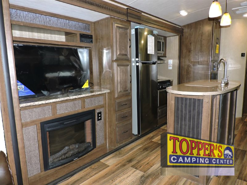Cruiser Radiance 33RSTS Travel Trailer Fireplace