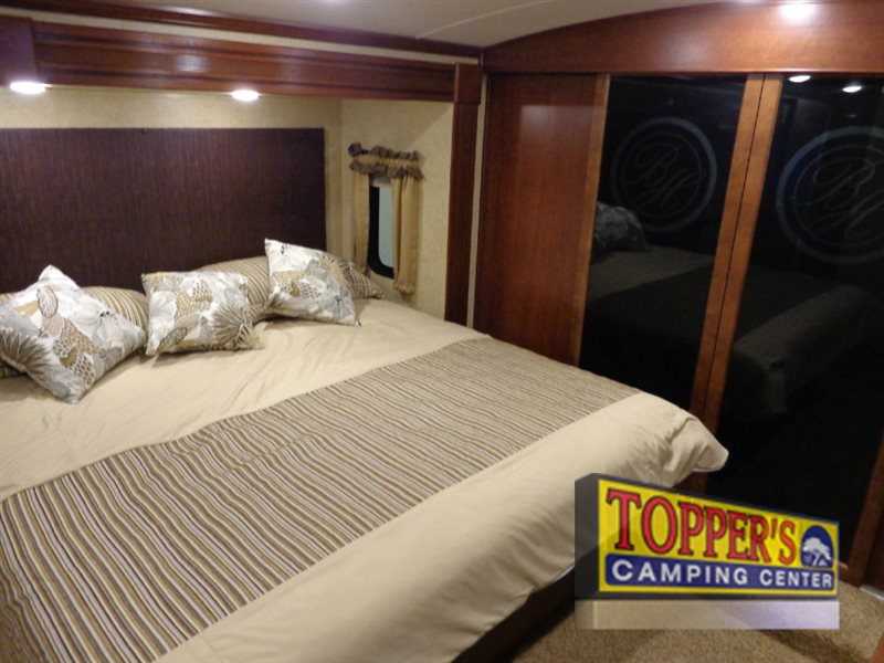 Evergreen RV Bay Hill 340RK Fifth Wheel Bedroom