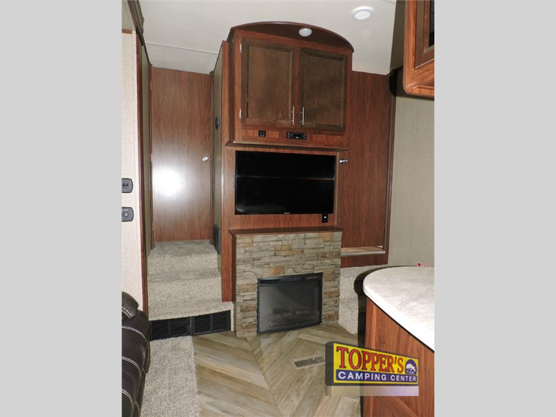 Forest River Vengeance Fifth Wheel Toy Hauler Super Sport Fireplace