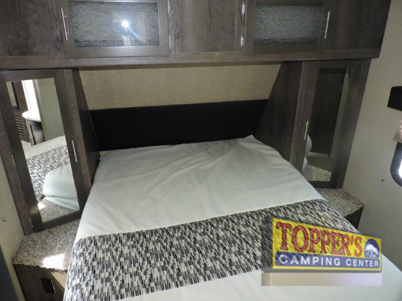 Dutchmen Kodiak 252RLSL Travel Trailer Bedroom