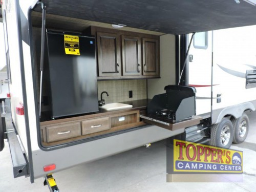 Cruiser Radiance Ultra lite 30DS Travel Trailer Outdoor Kitchen