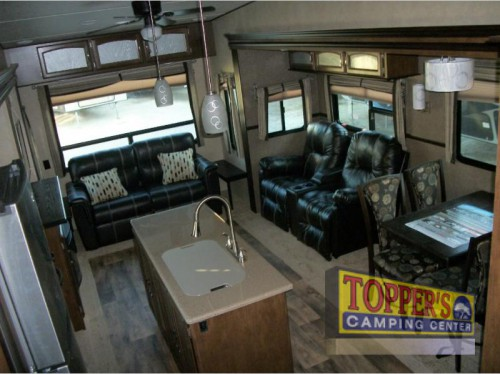 Wildwood Heritage Glen 386FBK Fifth Wheel interior