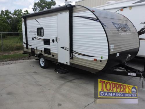 Forest River Wildwood X-Lite FSX 197BH travel trailer