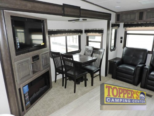Cruiser Aire 28RL Fifth Wheel Interior