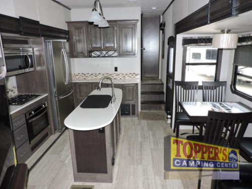 Crossroads Cruiser CR3351BH Fifth Wheel Interior