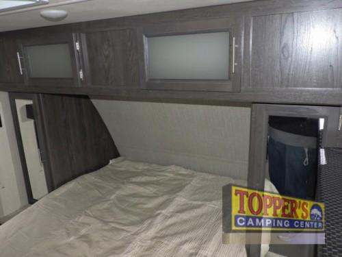 Dutchmen Kodiak Ultra Lite 253RBSL Travel Trailer Bedroom