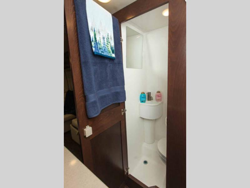 regency xalta bathroom