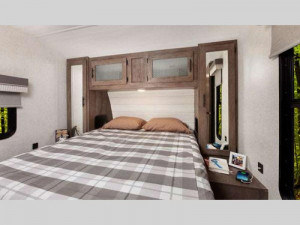 wildwood travel trailer bedroom